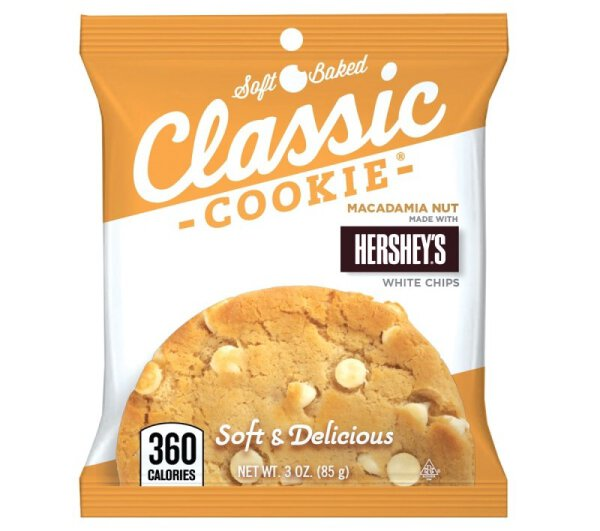 Classic Cookie – Macadamia Nut with Hershey's White Chips Cookie 85